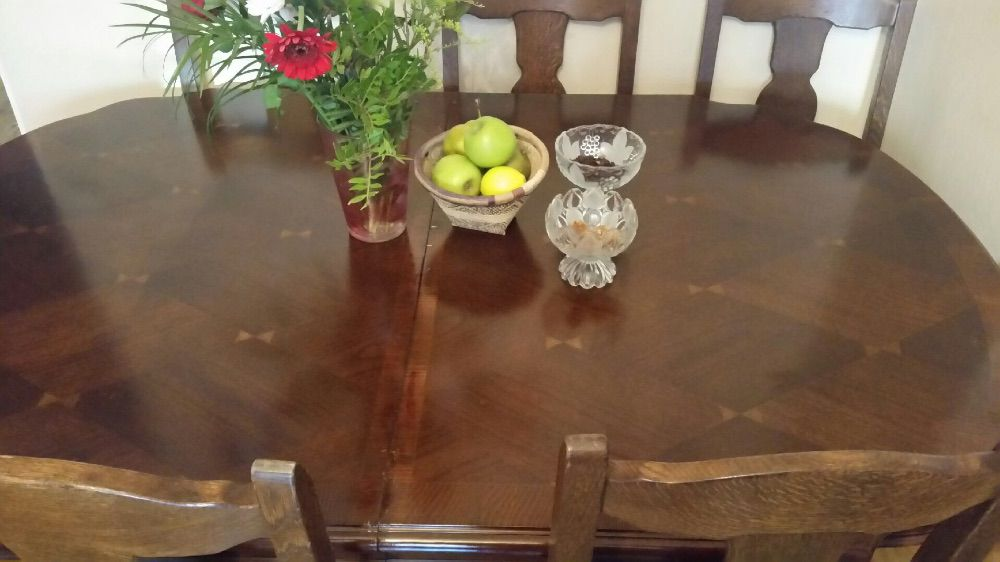Matbord +5 stolar