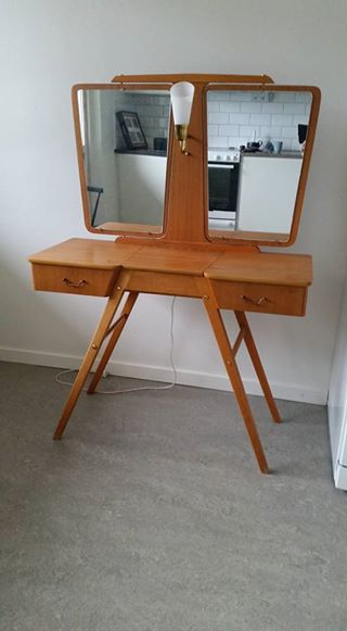 Sminkbord från 50-talet