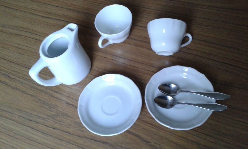 Kaffeservis barn, kaffekanna, 2 koppar med fat o skedar