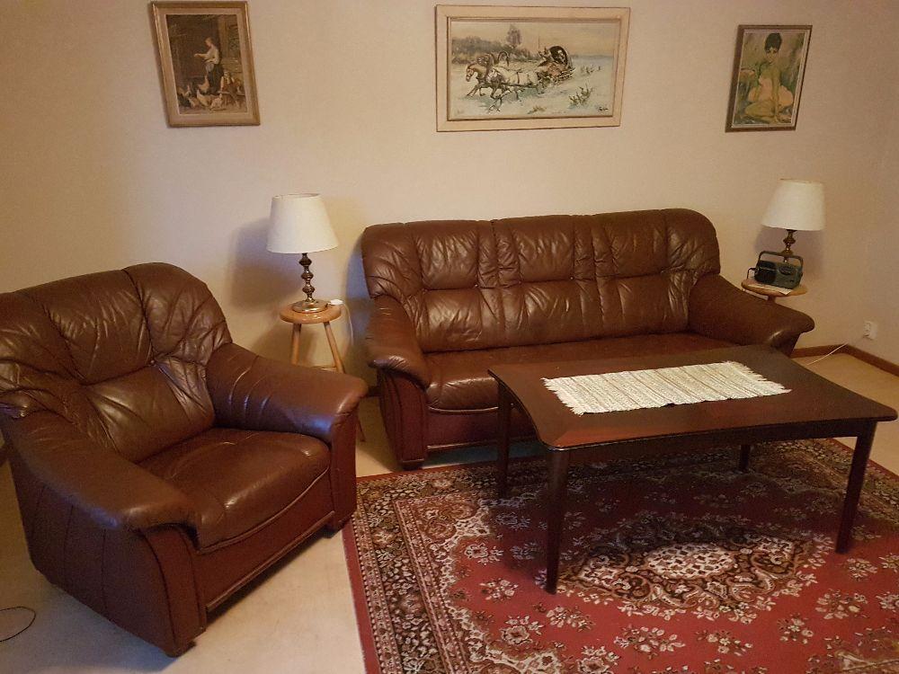 Soffa fåtölj o soffbord