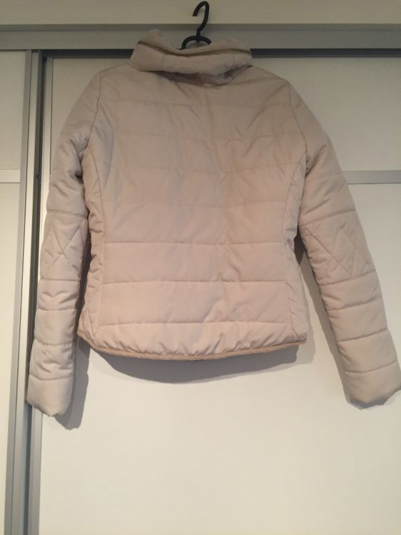 Beige jacka från Vero Moda