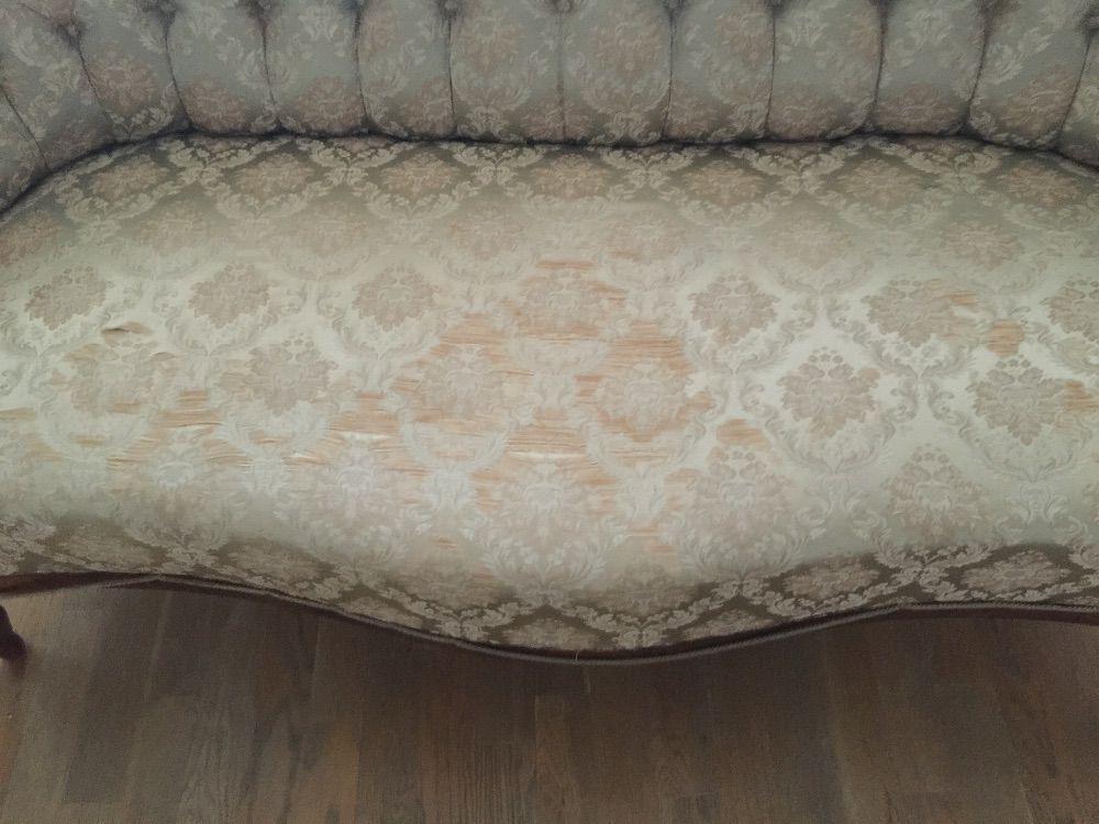 Charmig soffa från sekelskiftet