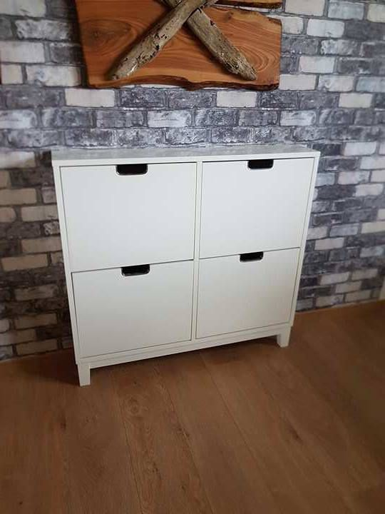 """Skoskåp IKEA s serie""""Ställ"""" Möbler& Inredning i Halmstad med stolar, soffa, soffbord, tv"""