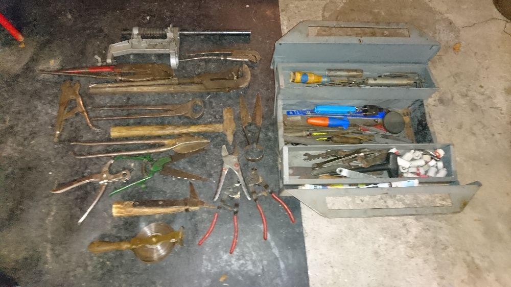 Gamla verktyg +Verktygslåda