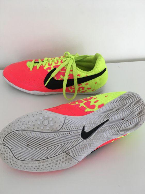 Nike inomhusskor