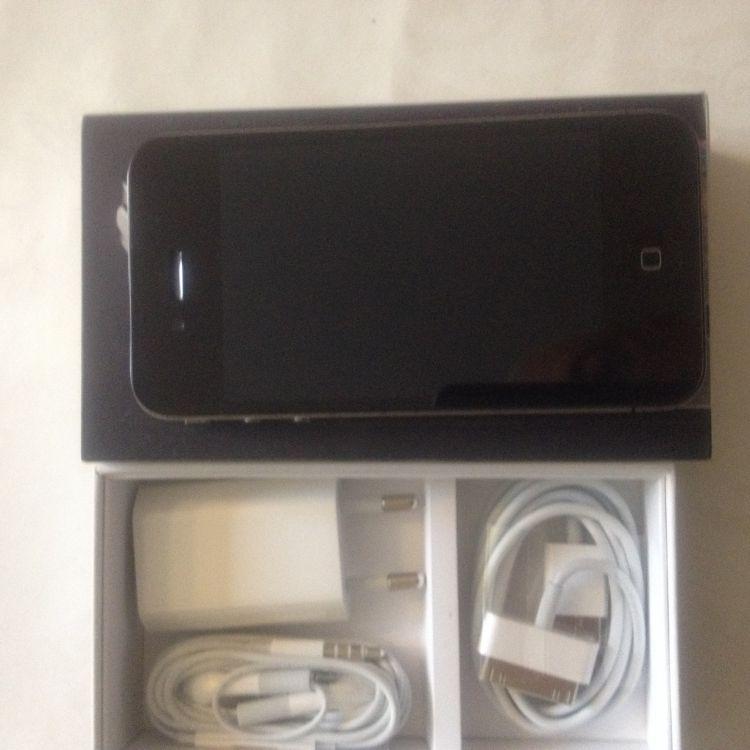 IPHONE 4 S 8 GB