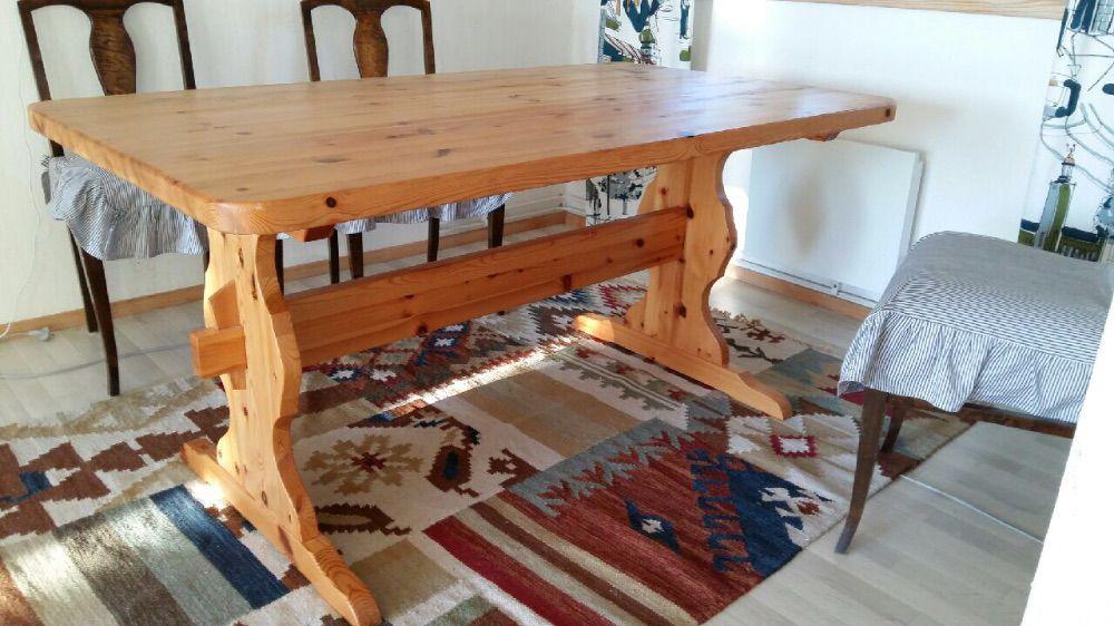 Köksbord, bockbord och 4 stolar