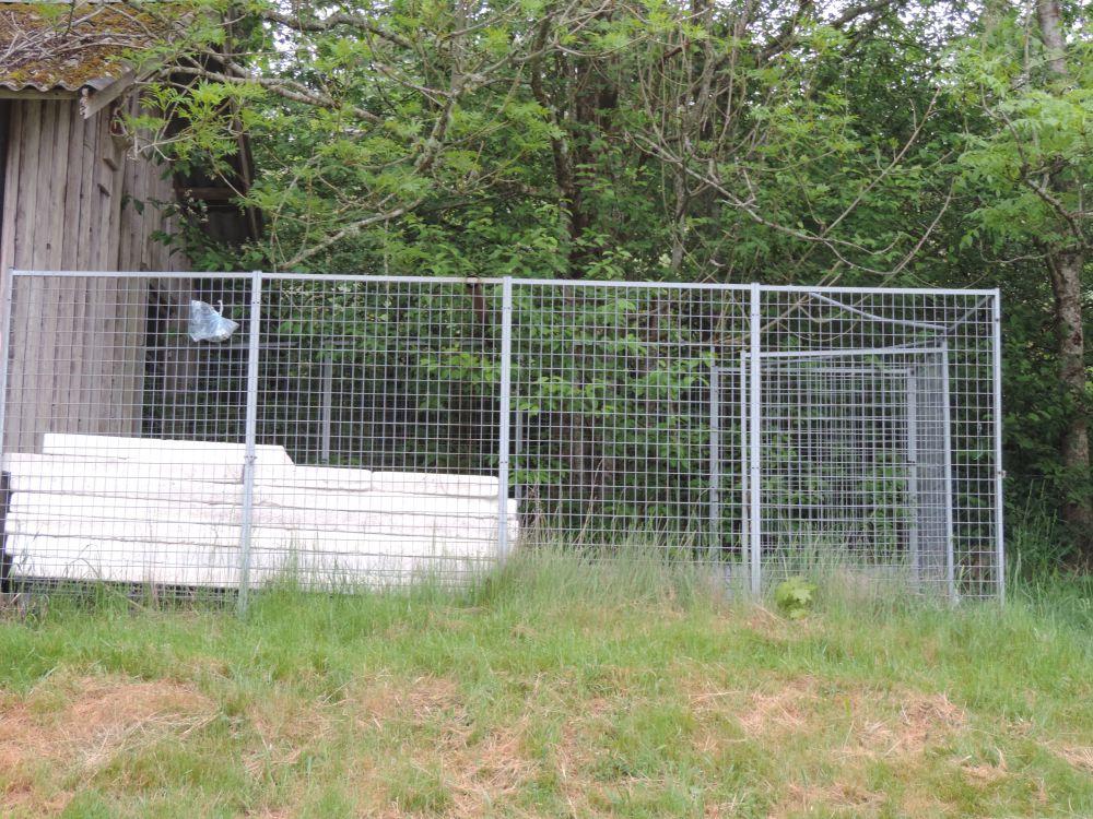 Rastgård för hundar etc.