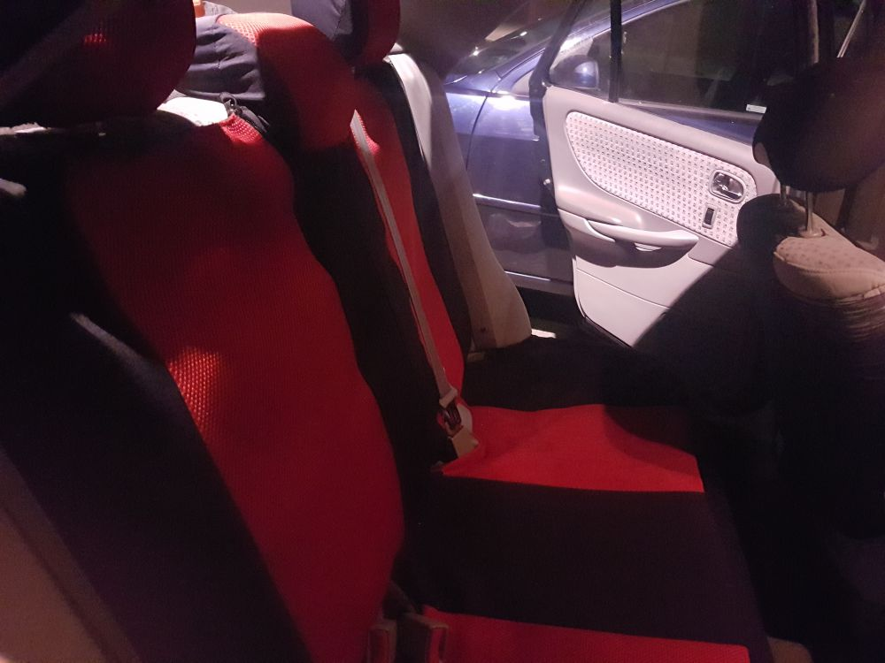 Mazda 626 ny-bes/skattad  bra skick, bränslesnål