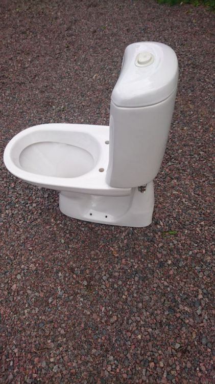 Dubbelspolande toalett