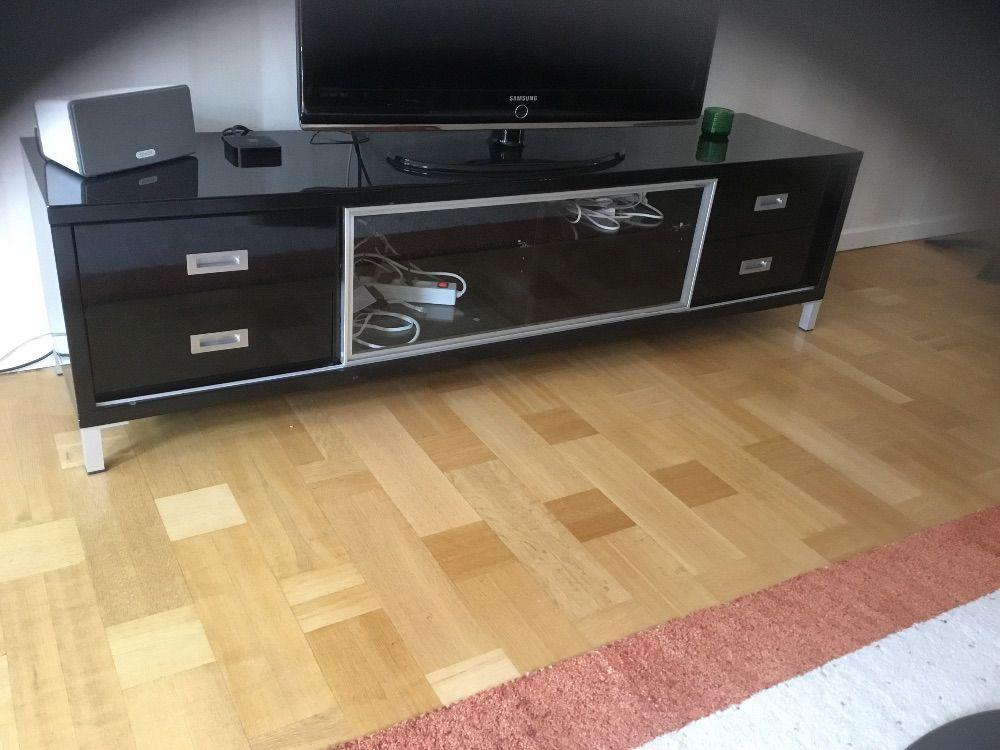 Tv bänk svart - Möbler & Inredning i Enköping med stolar, soffa ...