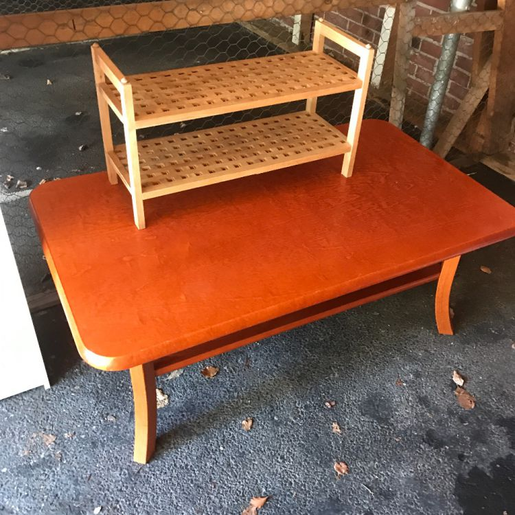 Billiga möbler