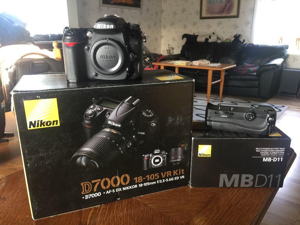 Nikon D7000 + MB-D11