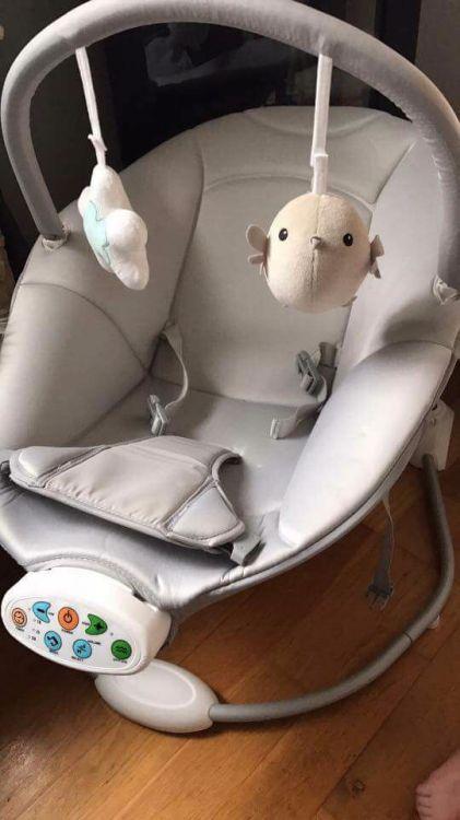 Babygunga och skötbord/badbalja