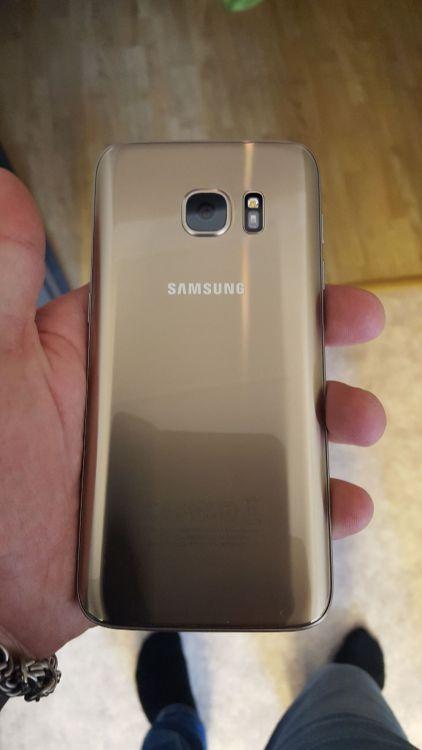 Samsung galaxy s7 guld 6 dagar gammal med kvitto