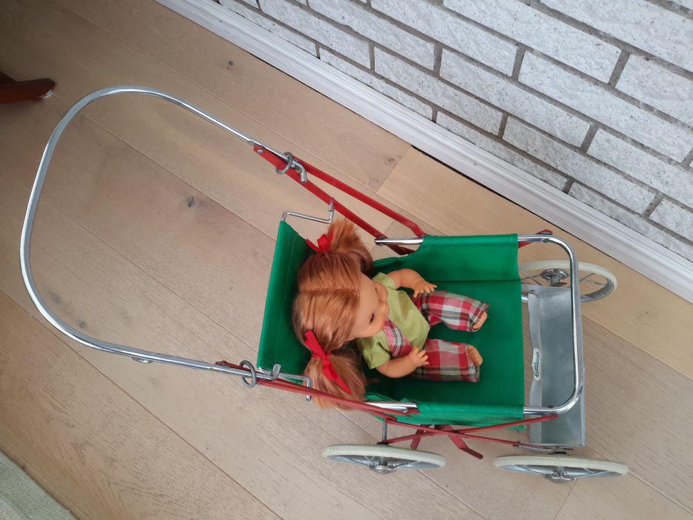 Retro sittdockvagn från Emmaljunga 60-Talet.