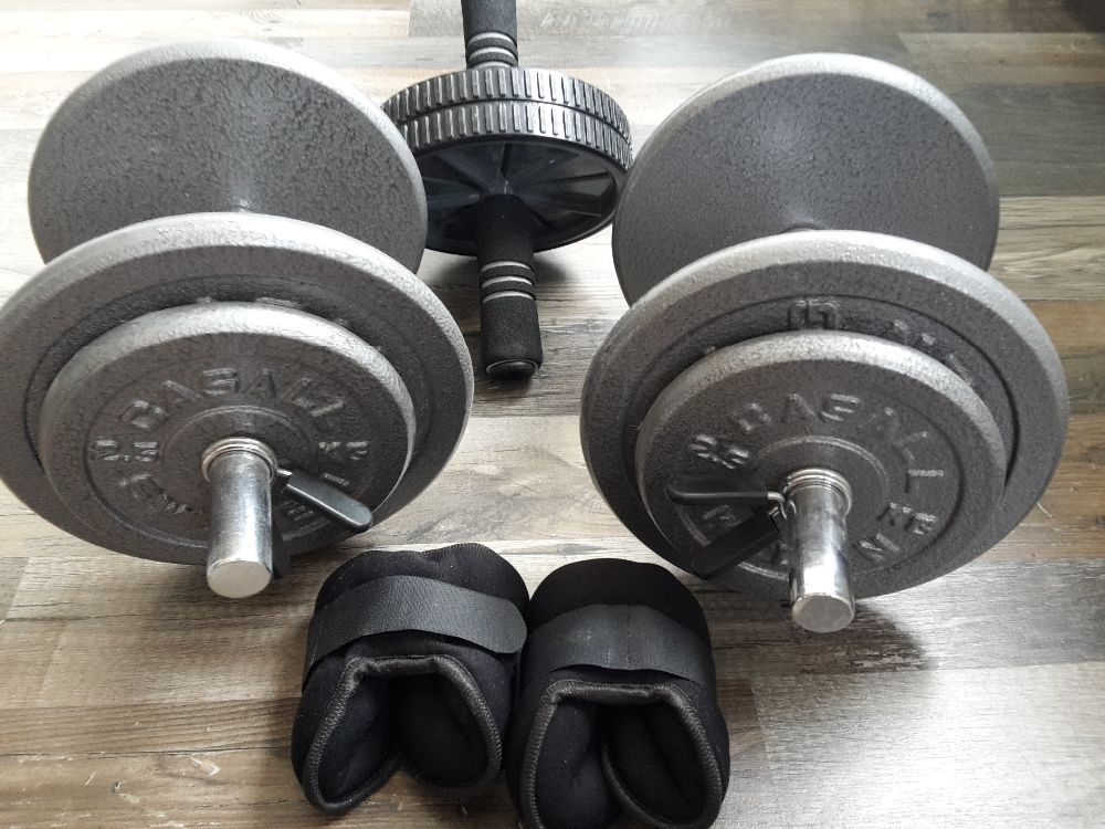Hantlar Casall 2x16,5kg, handledsvikter 2x1,5kg, ab roller