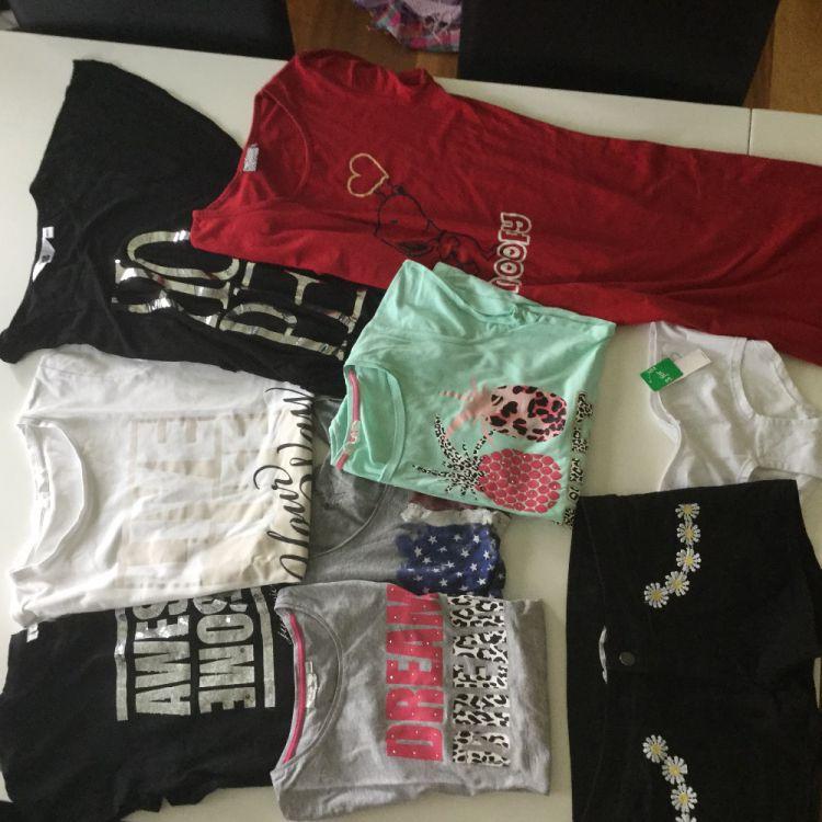 Klädpaket tjej stl 170 fint skick 9 plagg T-shirt shorts nya trosor samt nattlinNe