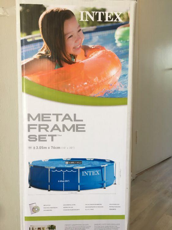 Pool 4,485L med poolskydd