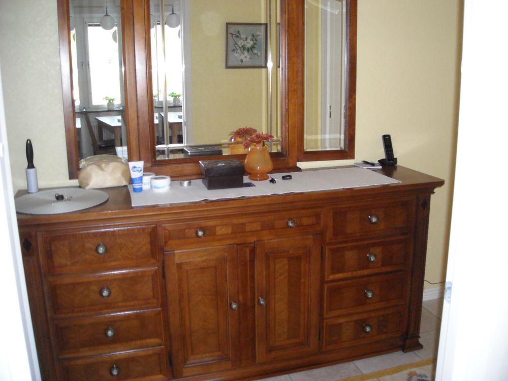 Hallmöbler - skåp med spegel