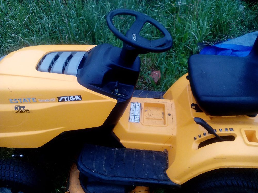 Trädgårdstraktor