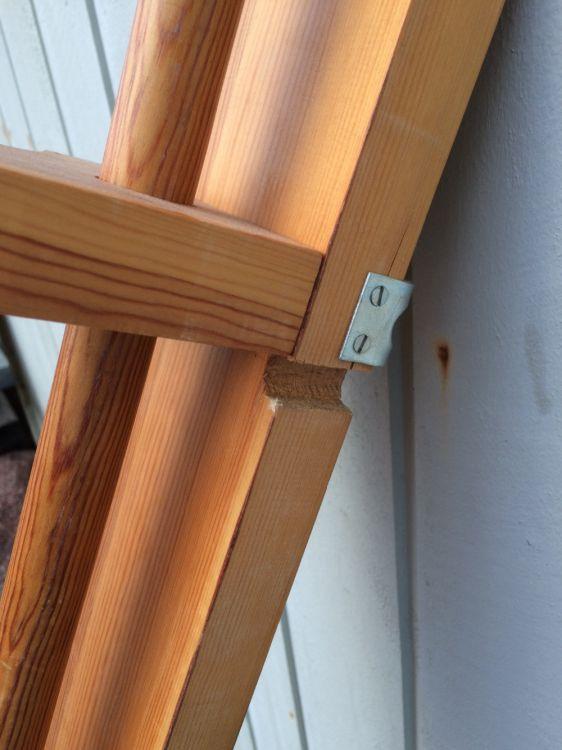 Gardinstång i trä säljes