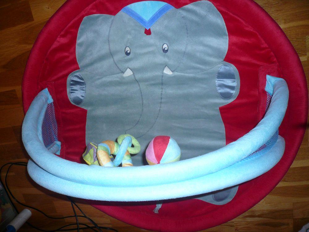 Skötbord till badkar, skötbord, babysitter, babygym, hoppgunga