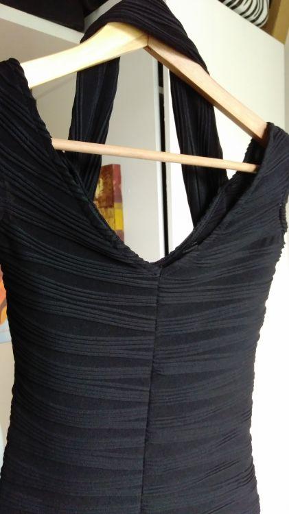 Fin figurnära klänning fr Asos, stlrk 34