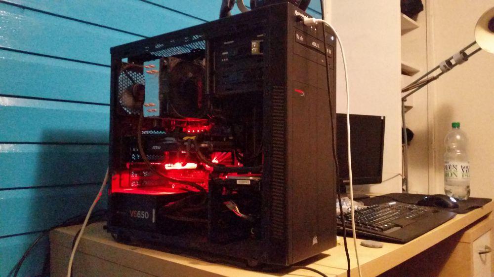 16gb RAM, i5 6600k, amd radeon r9 270
