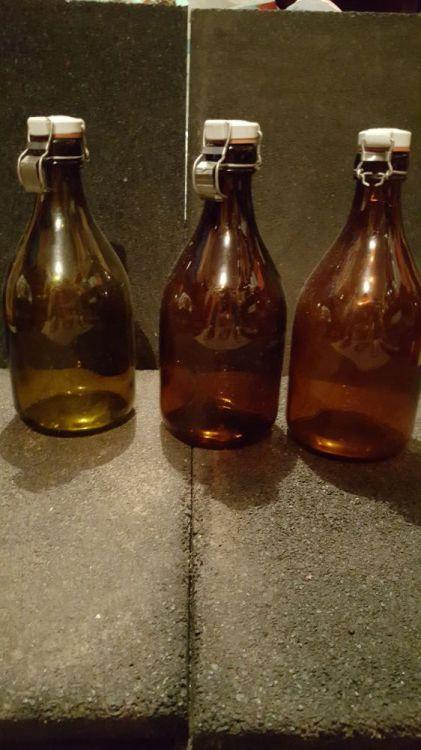 3 Äldre ölflaskor, 1L