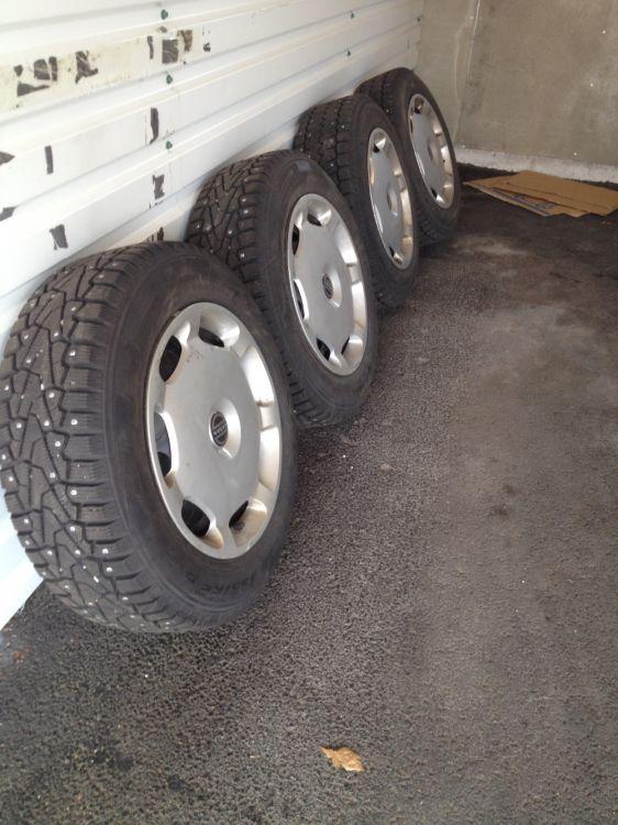 Volvo dubbdäck och fälgar 15'