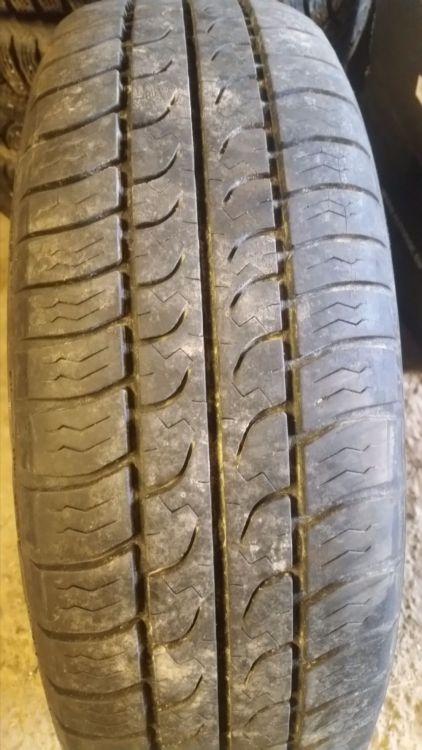 195/70 R14 däck utan fälg
