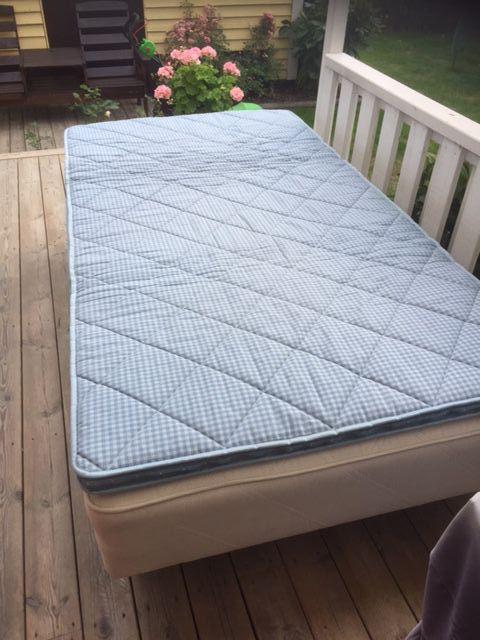 Säng och soffa