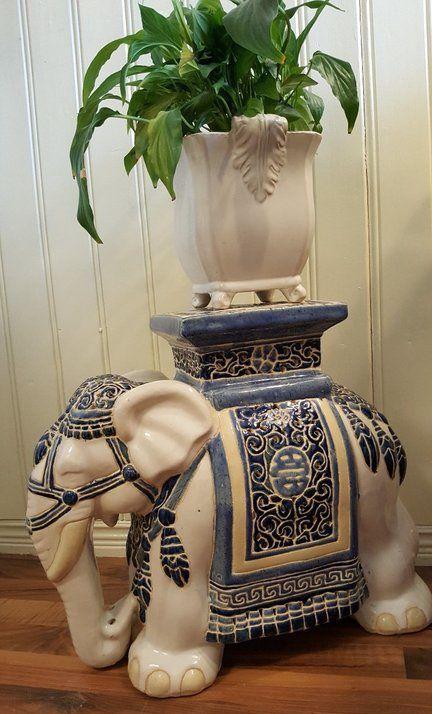 MAFFIG! 4,8 kg, porslin elefant i absolut perfekt skick!
