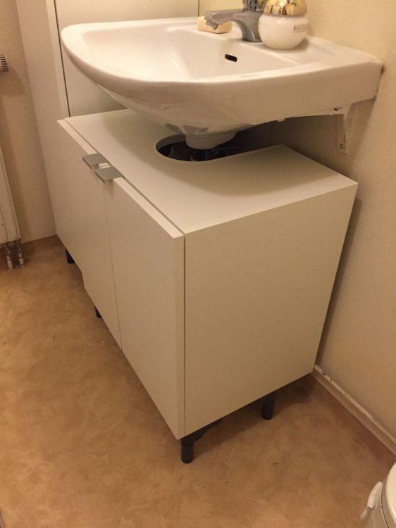 Badrumsställ / Tvättställunderskåp