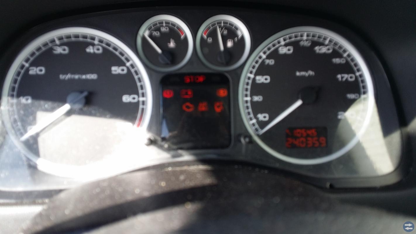 Säljer min Peugeot 307 2003  Kamren gått  sönder,