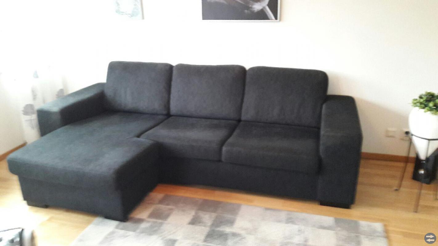 Soffa med divan  och soffbord