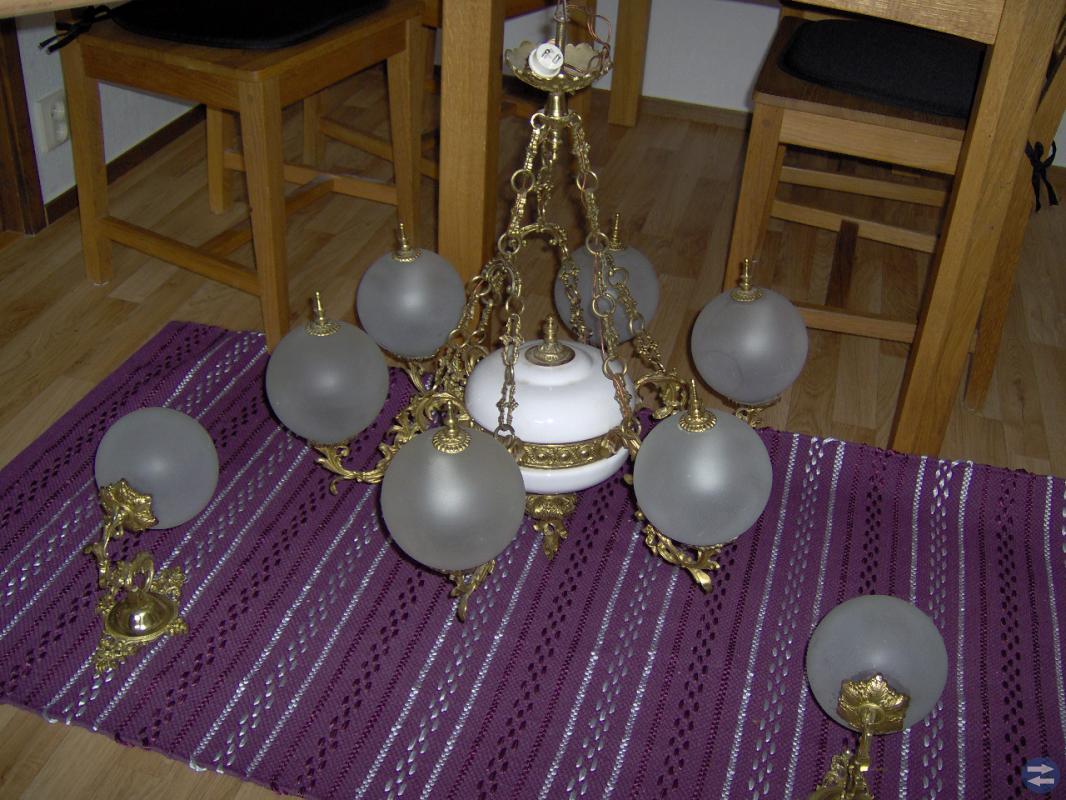 Fem  armad taklampa med två lampeter
