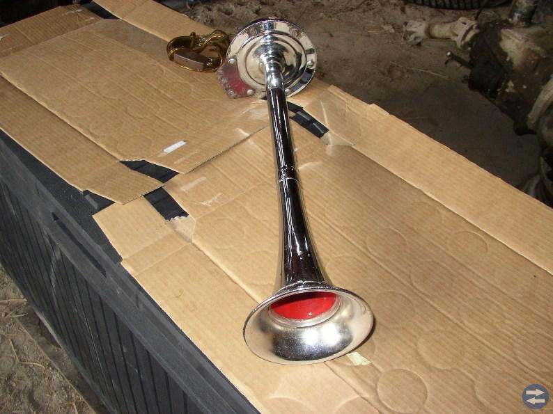 Riktigt elbilhorn kromat 55 cm långt med vrål