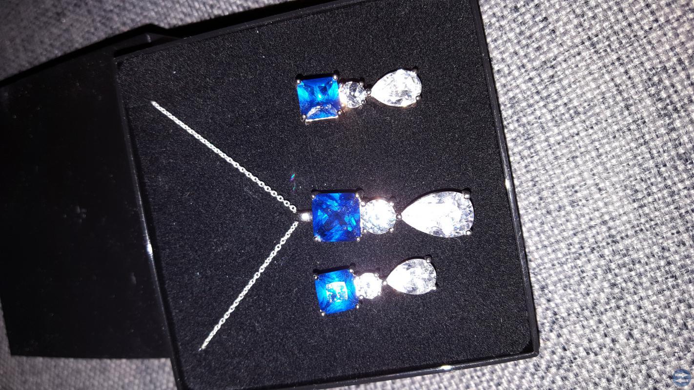 Två smyck sett i silver! 300 kr stämplad 925