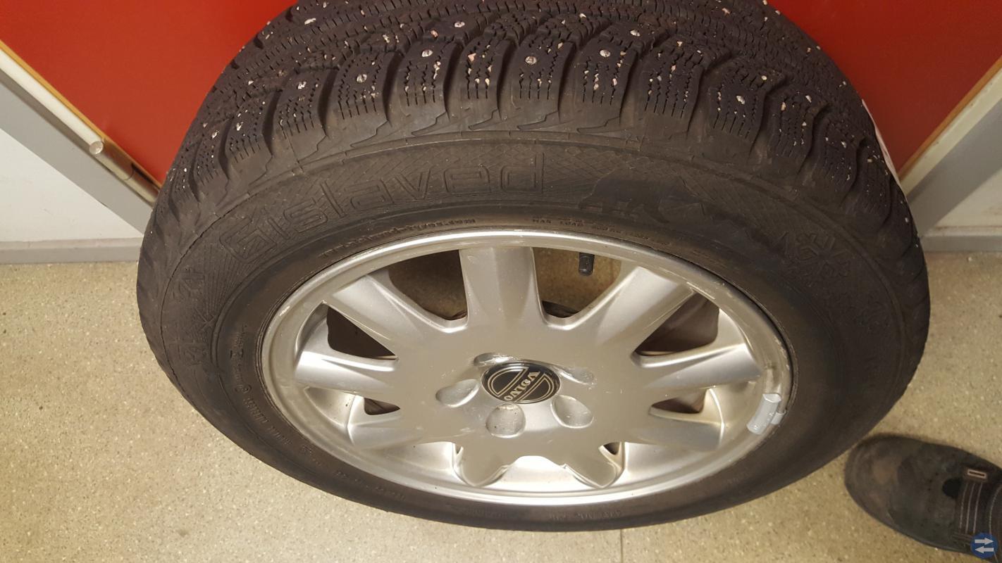Volvo däck och fälg (V70)