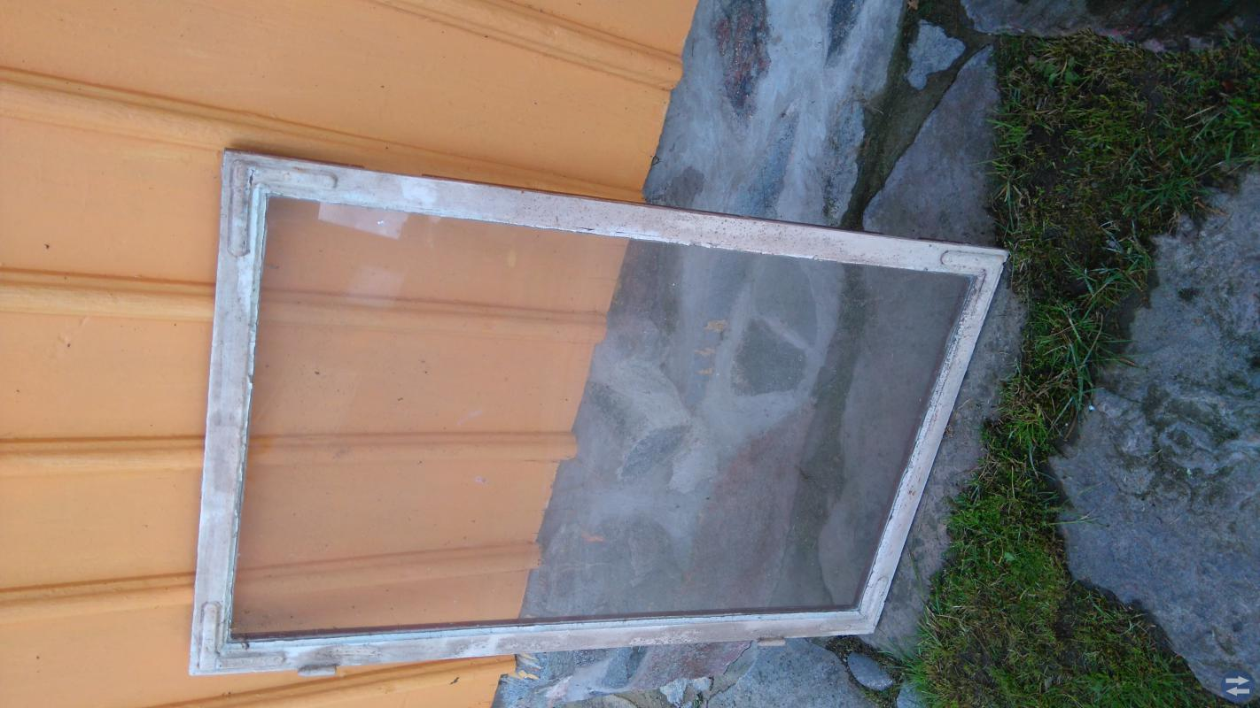 Hus & Trädgård i Lysekil dörrar, fönster, staket, köksbord, ved ...