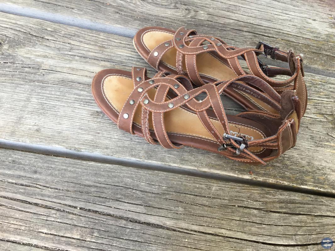 Mönstrade sandaler