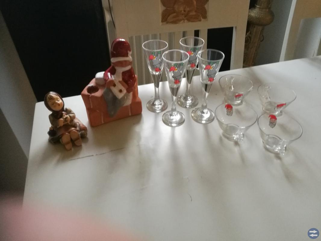 Hummelfigurin, tomteflicka, glögg/snapsglas-jul
