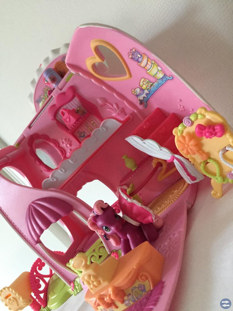 PET SHOPS leksaker m My little pony hus