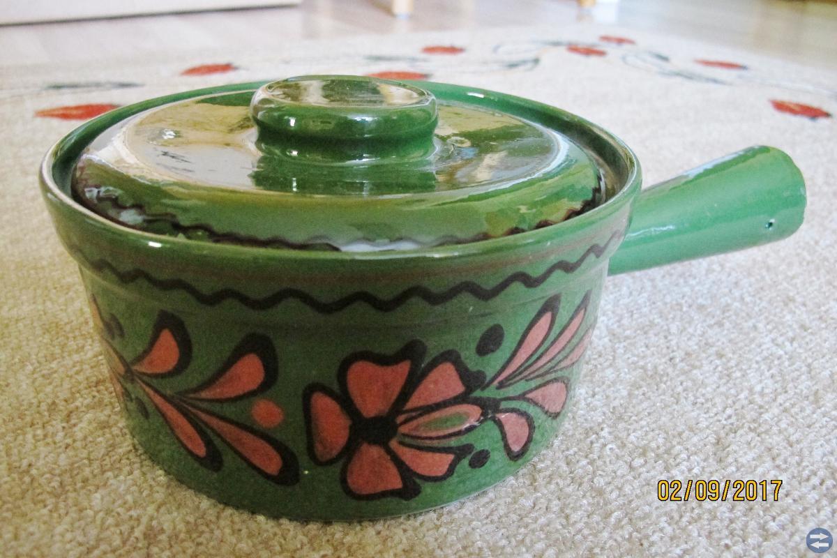 Keramikservis och keramikgryta