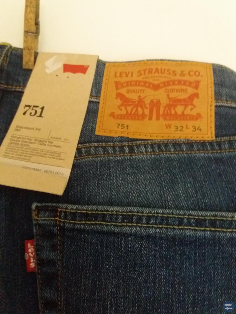 Jeans LEVI STRAUSS & CO