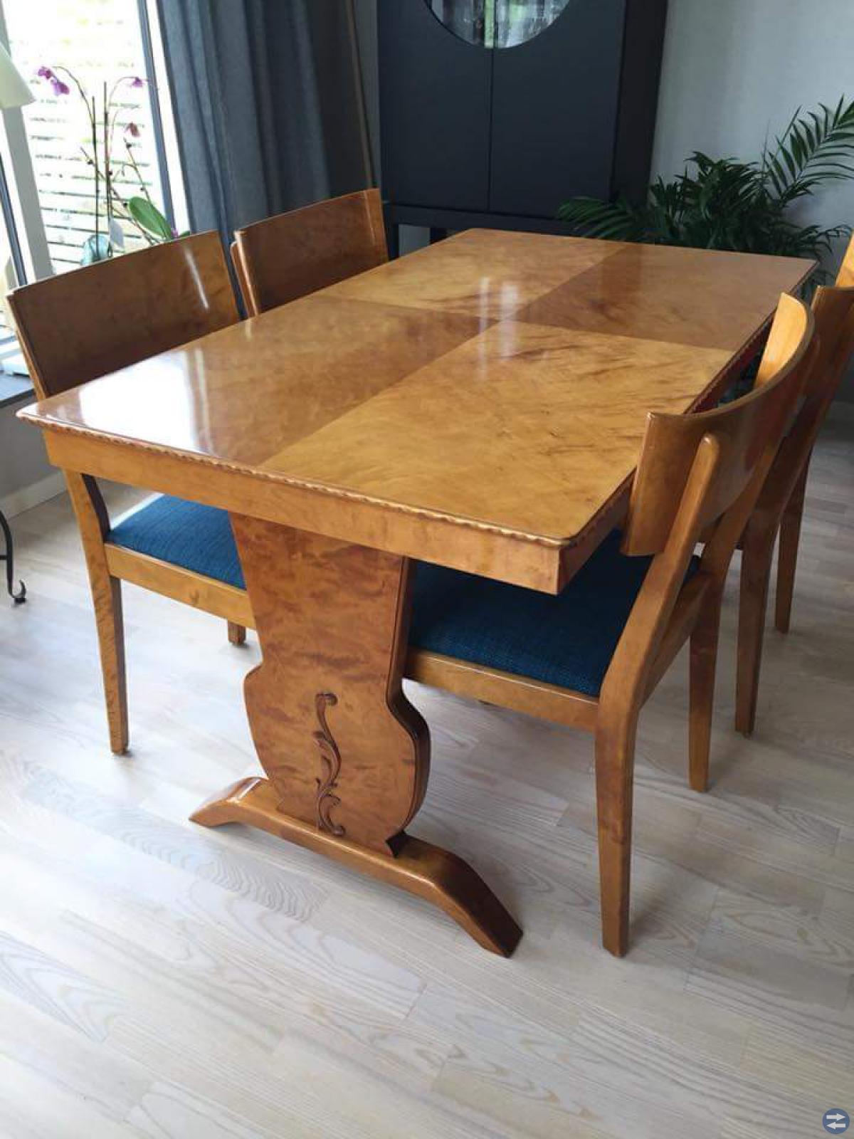 Matbord och sidobord