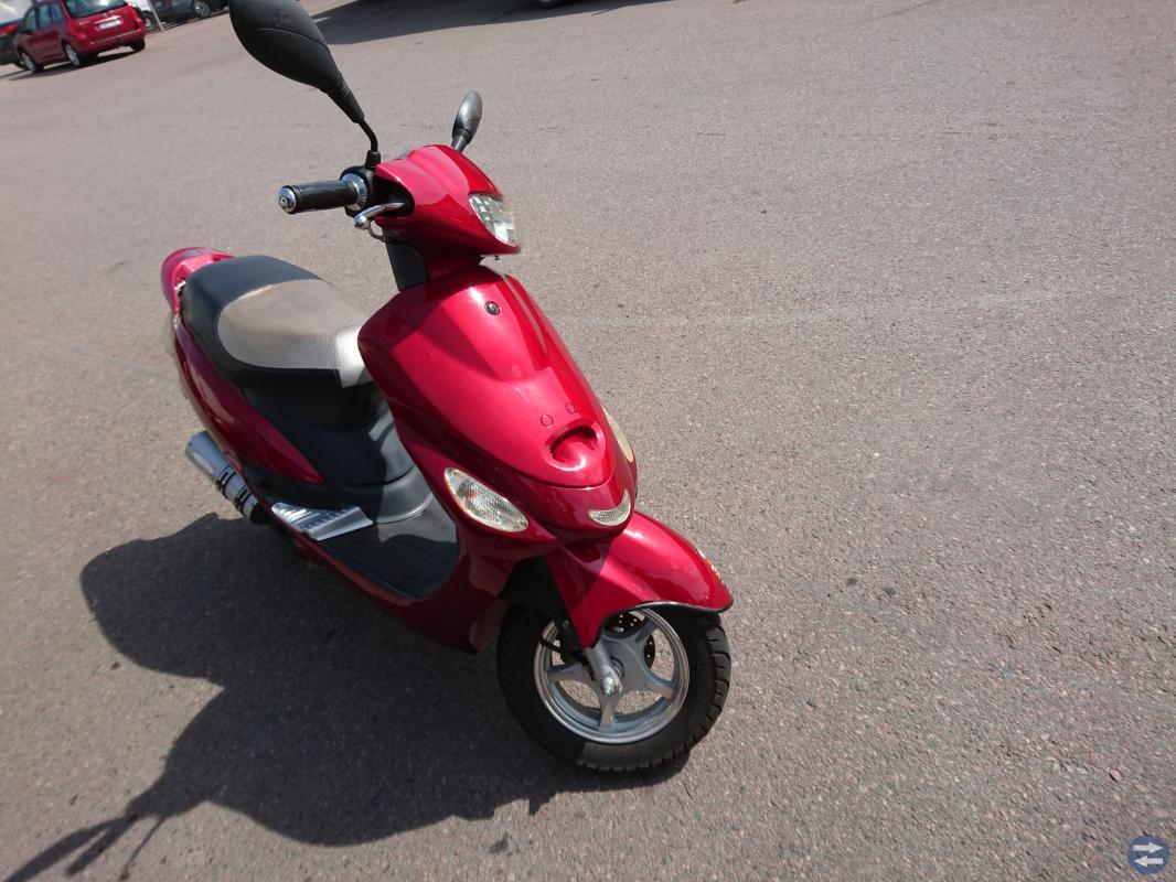 Knappt använd moped till salu 6500