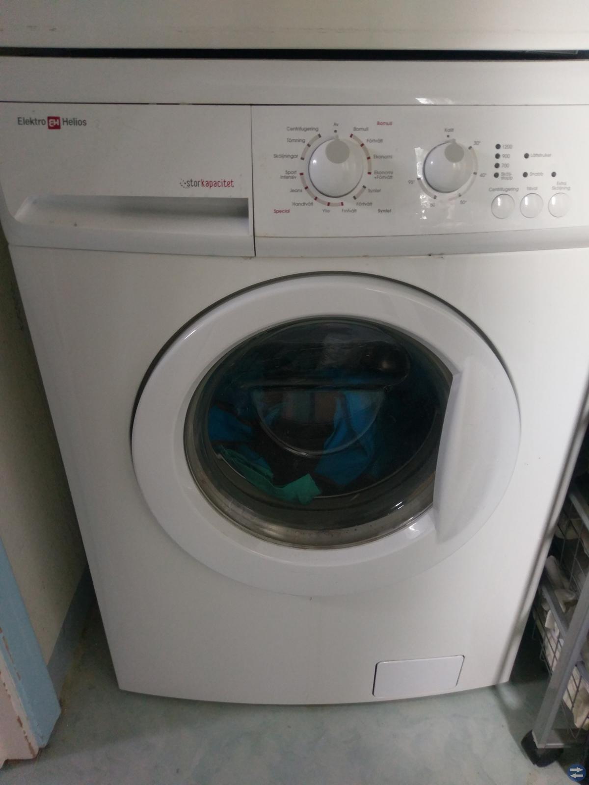 Tvättmaskin ElektroHelios samt Tumlare Electrolux